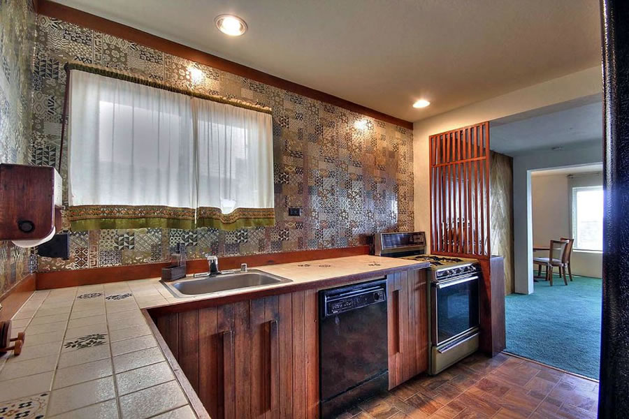 264 Grand View Avenue 2016 - Kitchen
