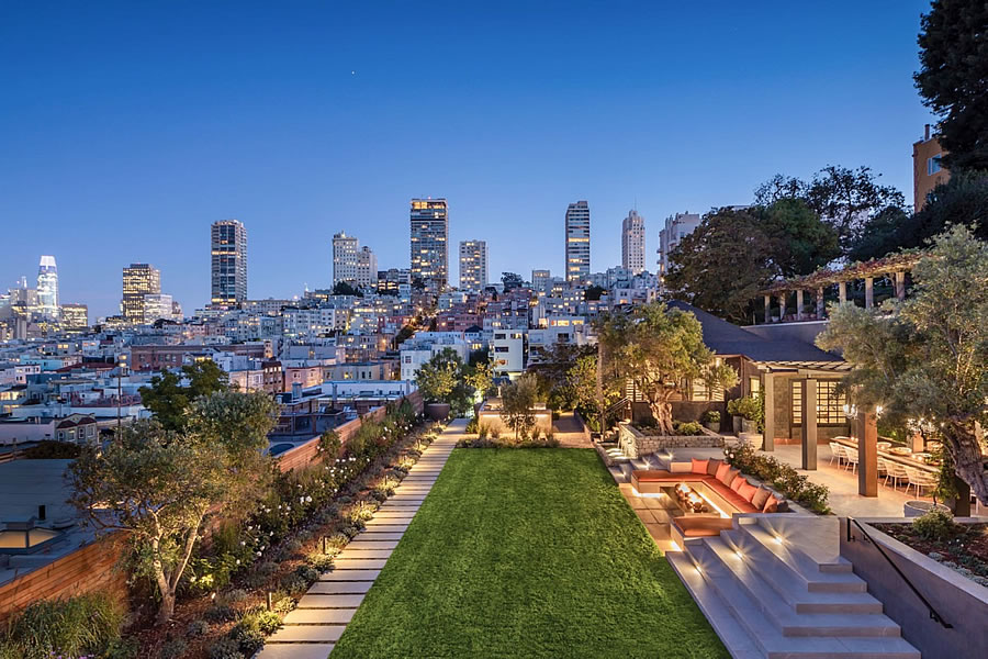 950 Lombard Street 2019 - Grounds