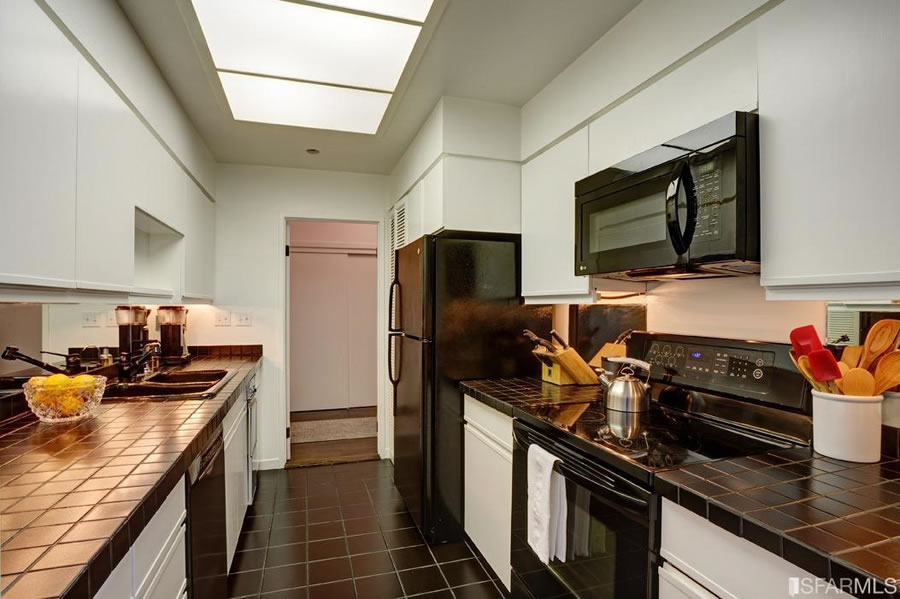101 Lombard #812W 2016 - Kitchen