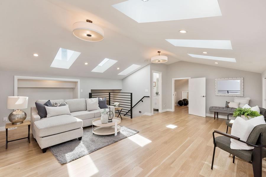 1683 Newcomb Avenue - Third Floor