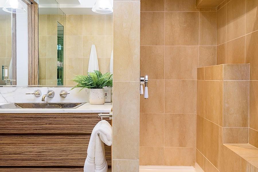 75 Lansing #1 Bath - 2019