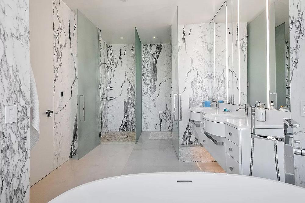181 Fremont #60A - Bathroom Open