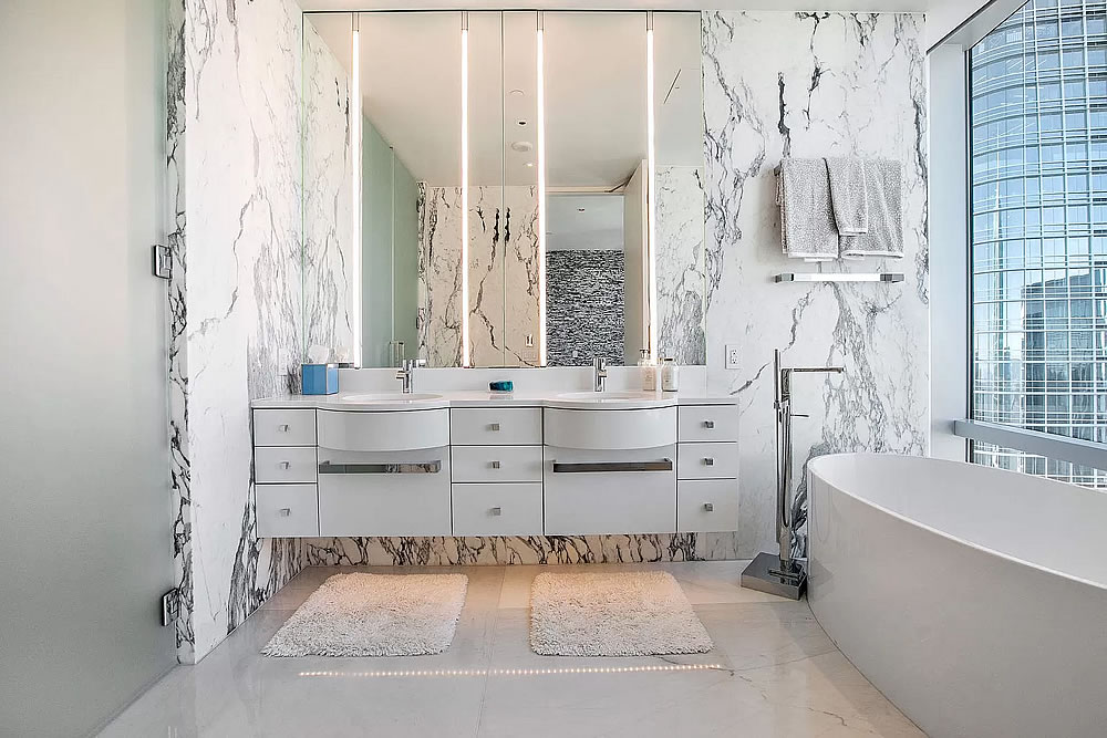 181 Fremont #60A - Bathroom
