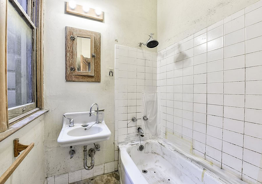 714 Steiner Street - Bathroom