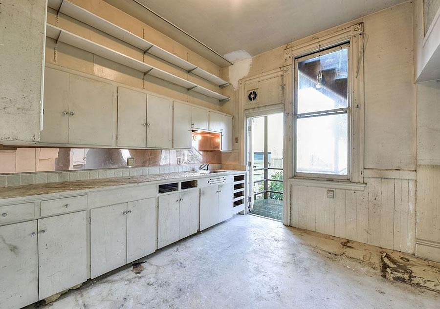 714 Steiner Street - Kitchen