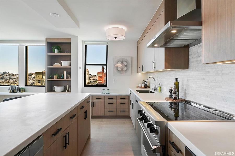 2200 Pacific Avenue - Kitchen