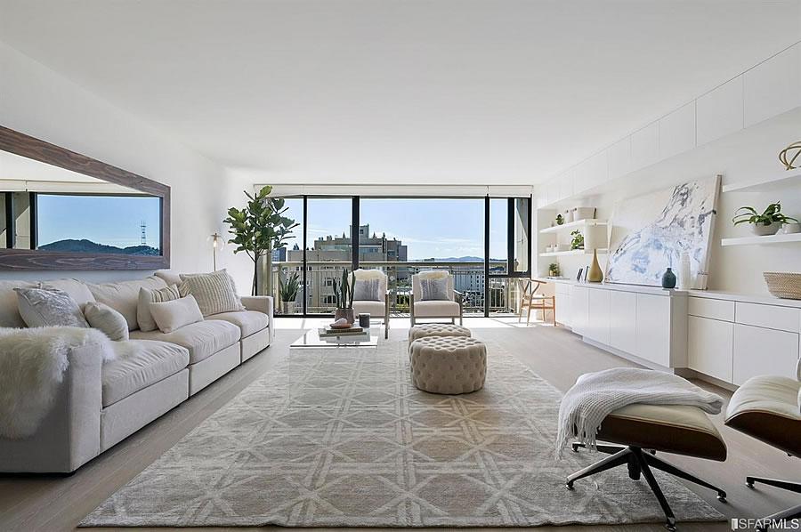 2200 Pacific Avenue - Living