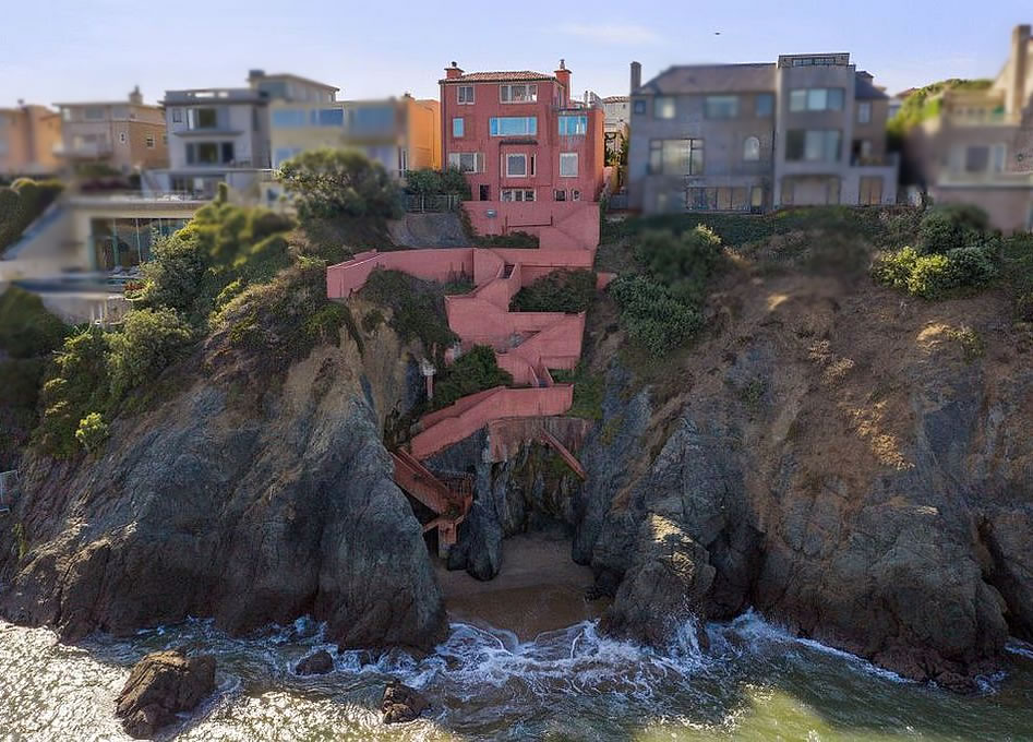 Infamous Sea Cliff Mansion Slated for Foreclosure, Again
