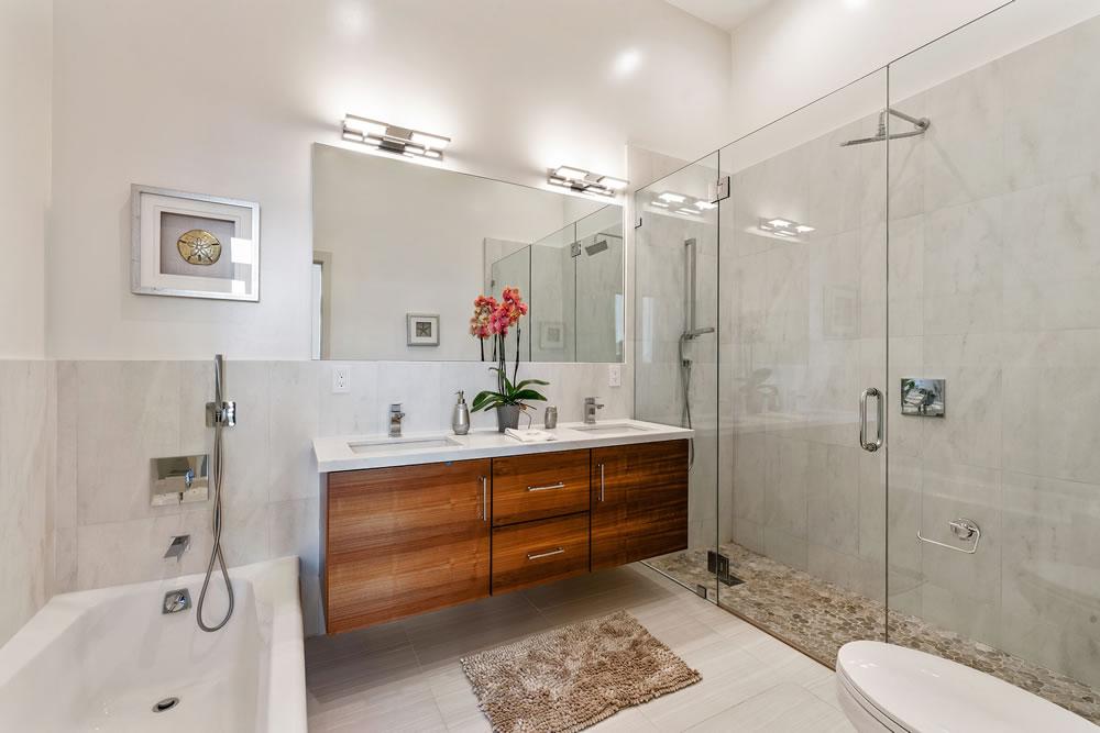 29 Joy Street - Bathroom