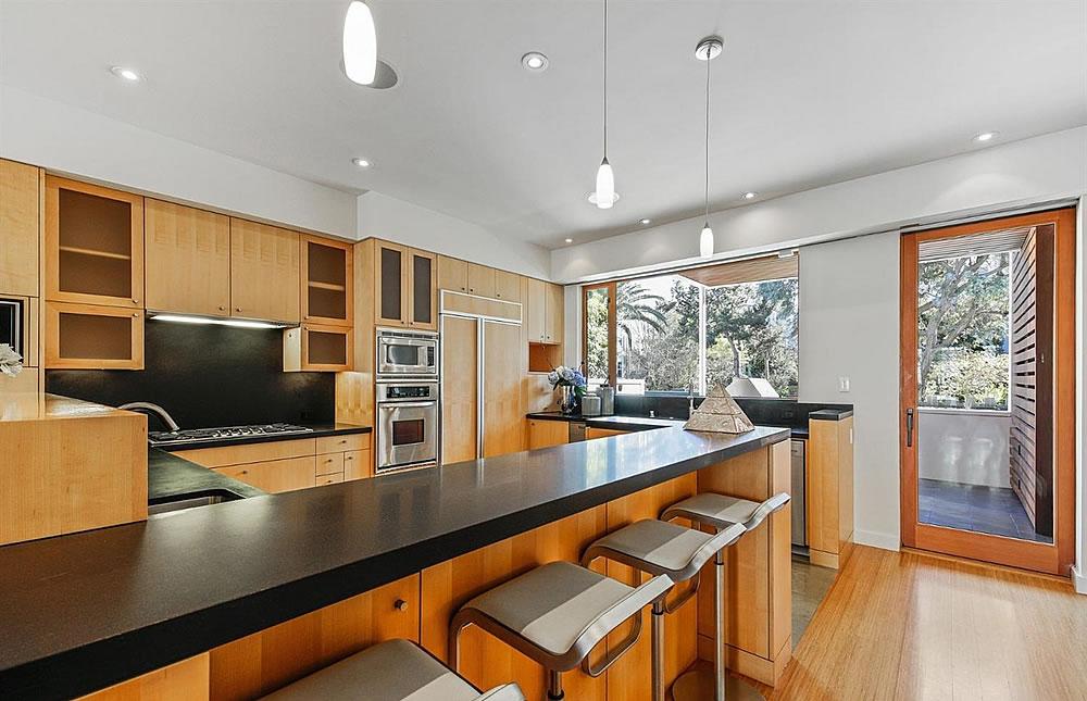 2837 Greenwich Street - Kitchen