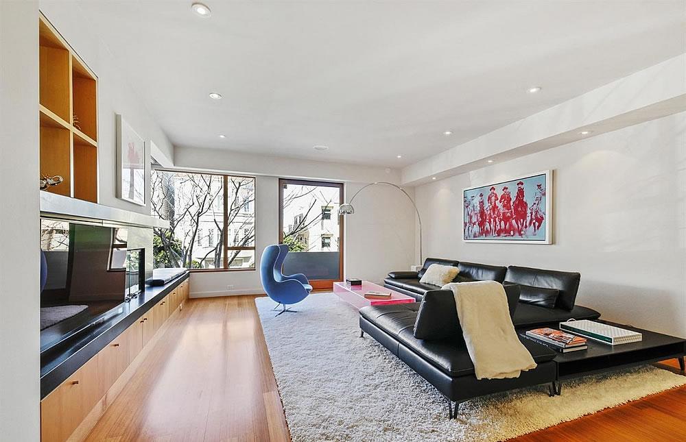 2837 Greenwich Street - Living