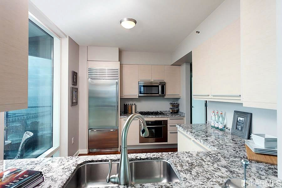 425 1st Street #1902 - Kitchen