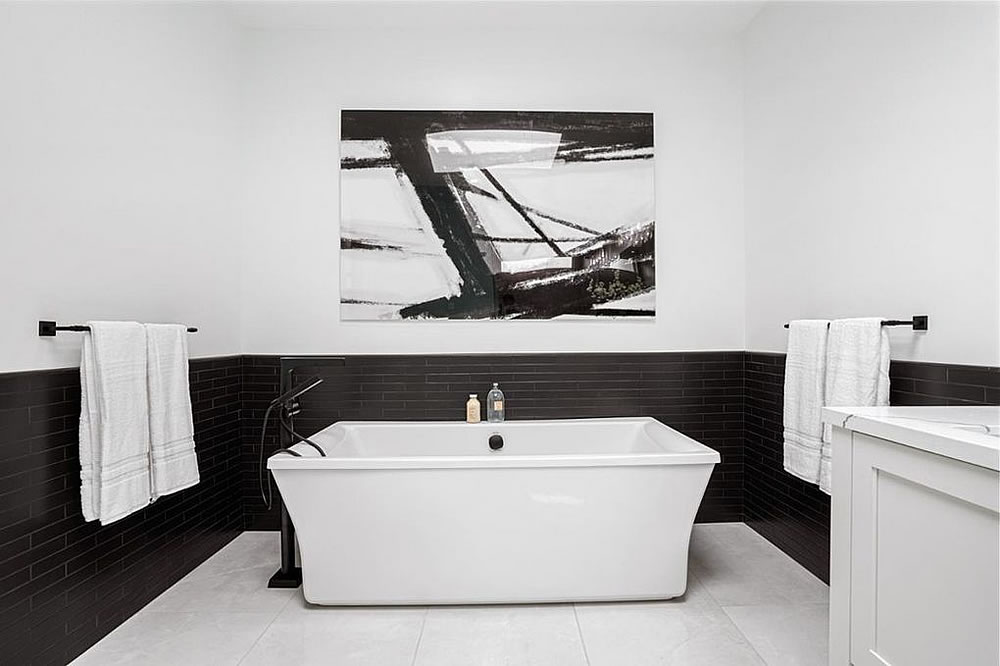 438 29th Street - Bath