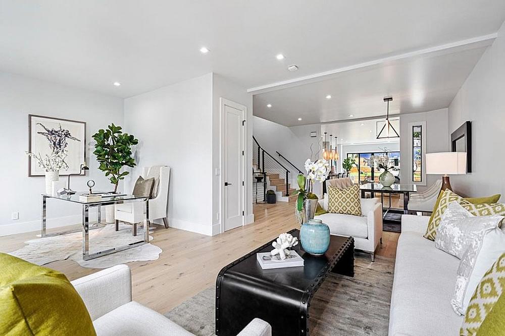 438 29th Street - Living