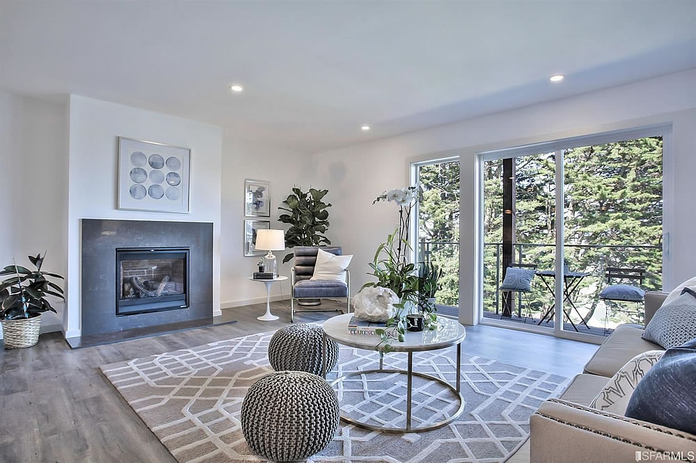 639 Grand View 2020 - Living