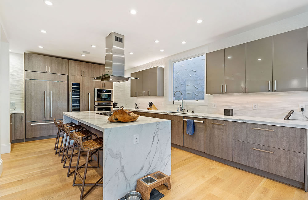 663 Marina Blvd 2020 - Kitchen