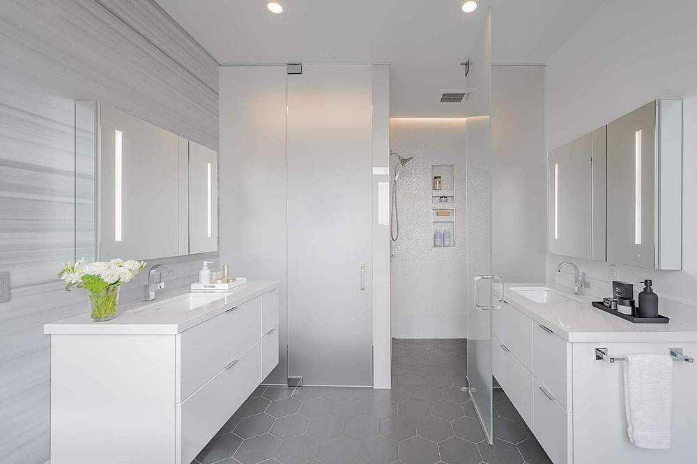 2838 Sacramento Street - Bathroom