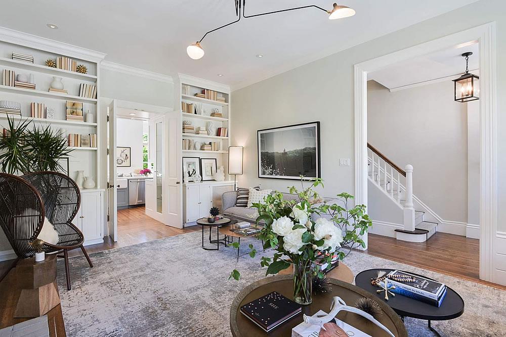 3020 Scott Street - Living