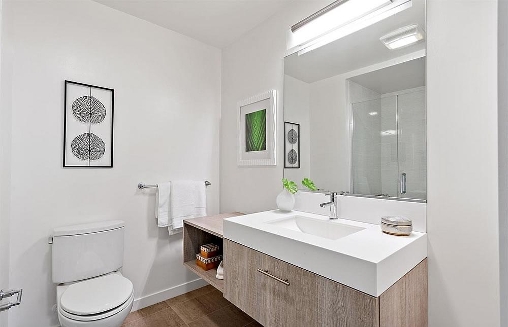 451 Donahue #216 - Bathroom
