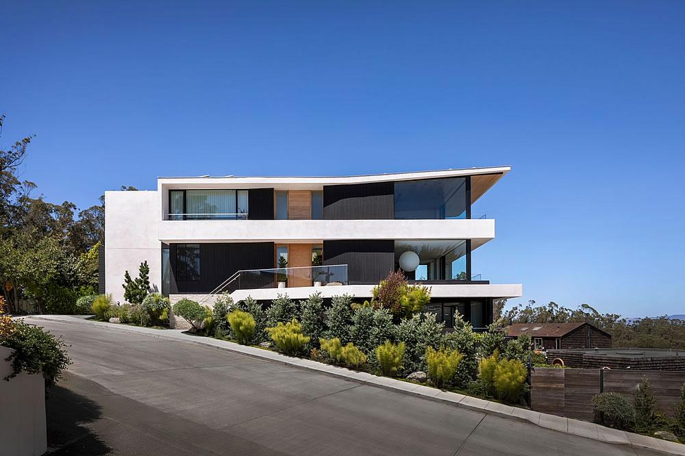 Modern Mansion Atop Mount Sutro Has Sold