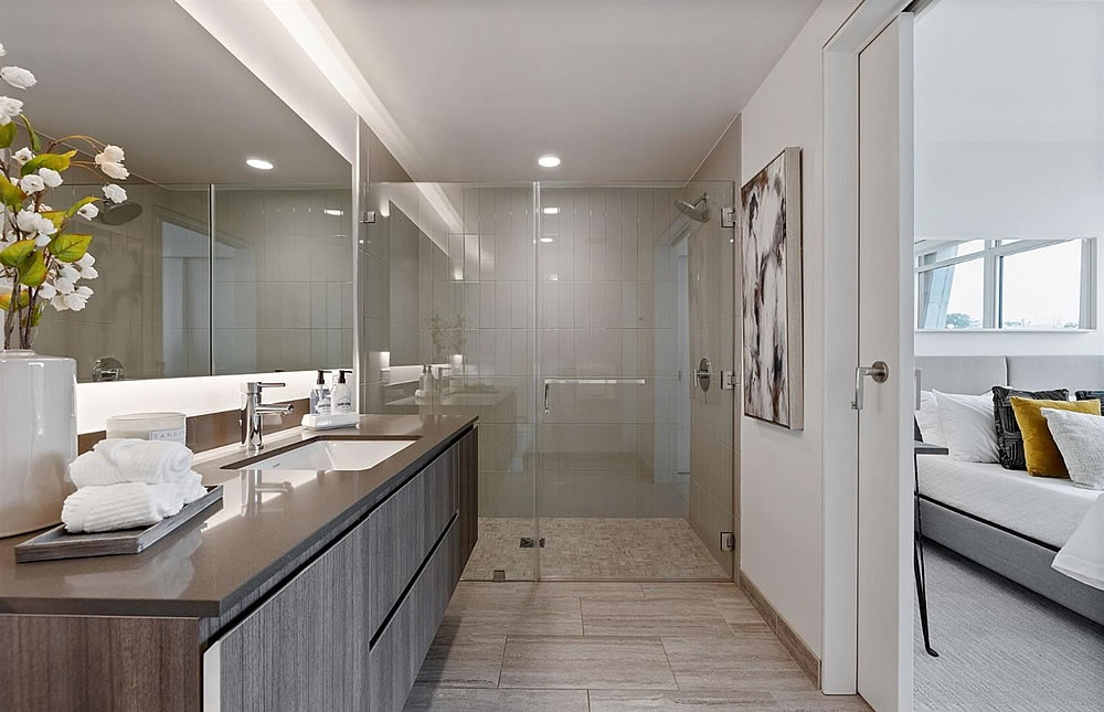 338 Potrero #404 - Bath