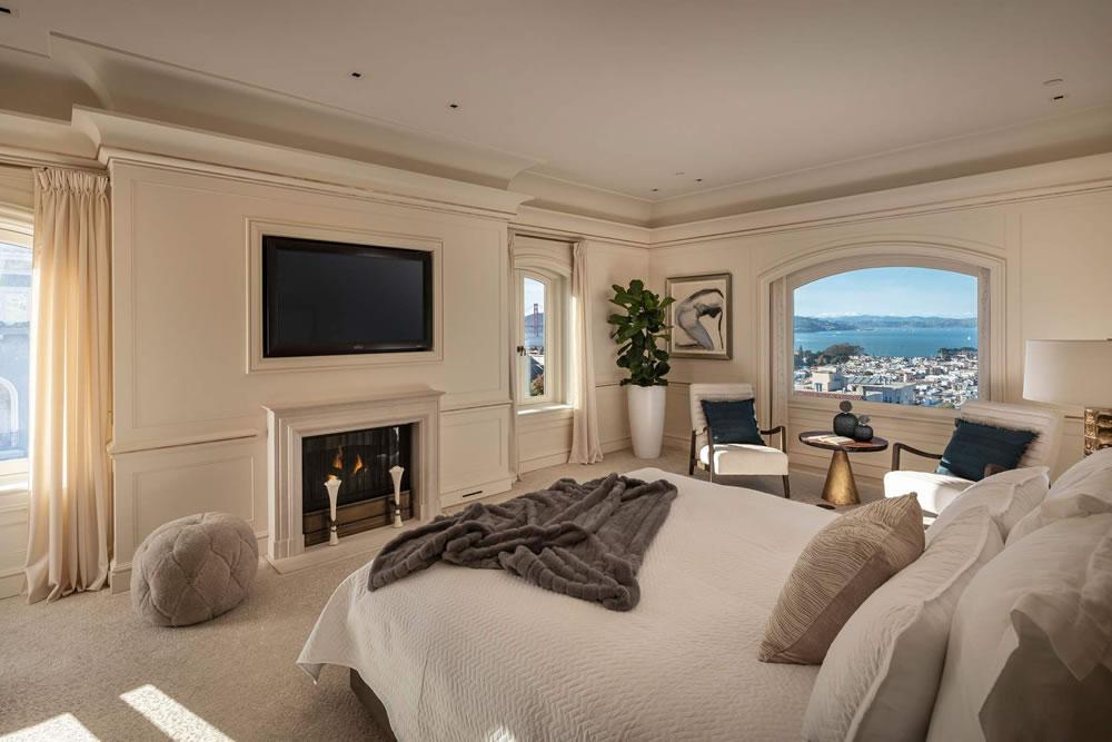 2590 Green Bedroom
