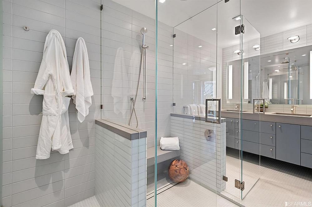 3627 21st Street - Bathroom