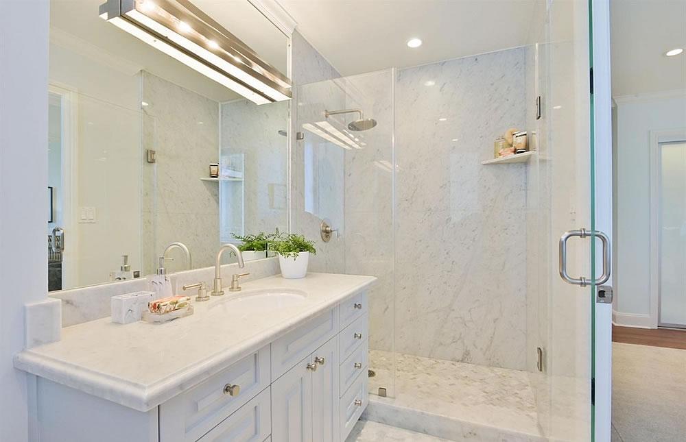1080 Chestnut #3C Bathroom