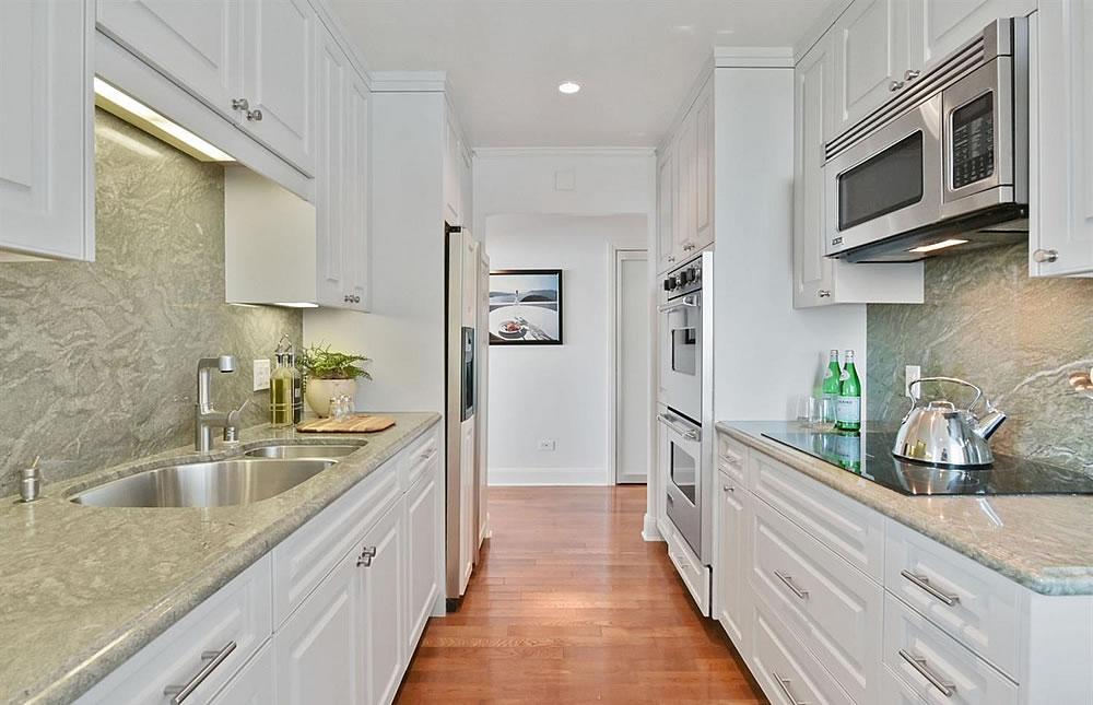 1080 Chestnut #3C Kitchen