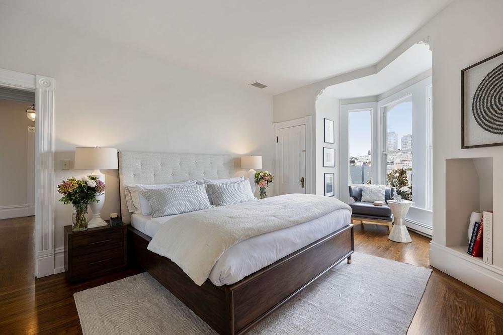 1067 Green Street - Bedroom