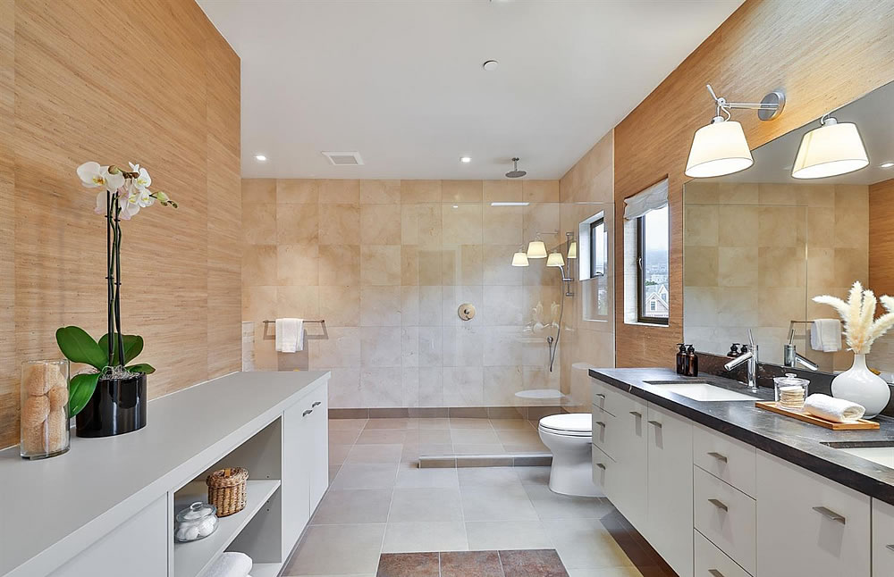 680 Douglass Street - Main Bedroom Bath